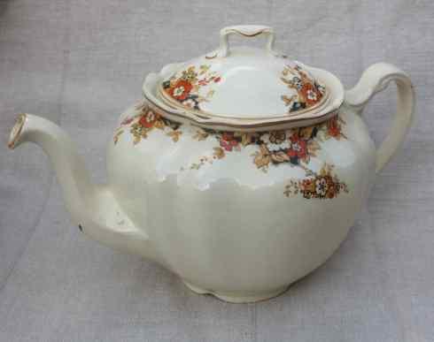 Johnson Bros 'Victorian' teapot, £25