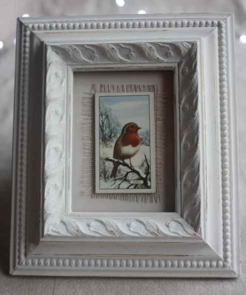 Christmas robin in  hand painted vintage frame