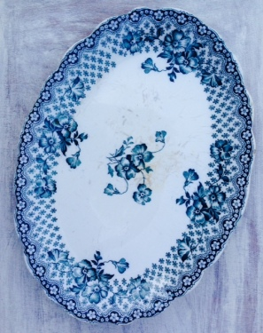 vintage blue platter